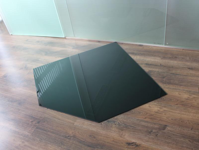 f nfeck 130x130cm glas schwarz funkenschutzplatte kaminbodenplatte glasplatte ofenunterlage kamin. Black Bedroom Furniture Sets. Home Design Ideas