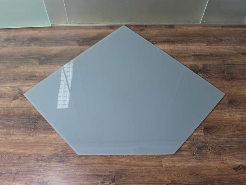 f nfeck 110x110cm glas grau funkenschutzplatte kaminbodenplatte glasplatte ofenplatte kamin. Black Bedroom Furniture Sets. Home Design Ideas