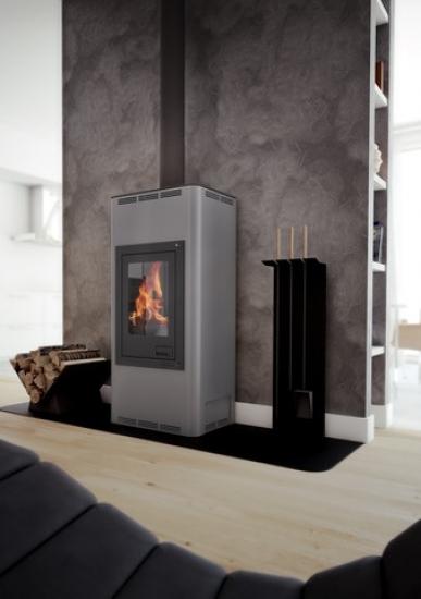 eek a wasserf hrender kaminofen aquaflam basic grau 12 kw. Black Bedroom Furniture Sets. Home Design Ideas